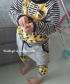Supersøt genser med gult Paapii-stoff og Lillestoff-striper! Sewing For Kids, Boy Outfits, Hoodies, Boys, Clothing, Sweaters, Handmade, Ideas, Fashion