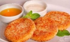 Carrot-apple cheese pancakes with vanilla sauce * Energy value per - b - g - y - For cheesecakes. Apple Recipes, Baby Food Recipes, Dessert Recipes, Cooking Recipes, Dessert Healthy, Kindergarten Snacks, Russian Desserts, Vanilla Sauce, Cheese Pancakes