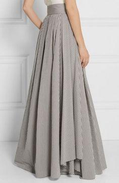 40 Ideas Skirt Pattern Maxi Beautiful - Maxi Skirts - Ideas of Maxi Skirts Modest Fashion, Hijab Fashion, Fashion Dresses, Long Skirt Fashion, Apostolic Fashion, Modest Clothing, Pretty Outfits, Beautiful Outfits, Maxi Outfits