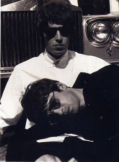 & Noel Gallagher from Oasis Lennon Gallagher, Liam Gallagher Oasis, Noel Gallagher, Banda Oasis, Oasis Music, Liam And Noel, Oasis Band, Indie Boy, Britpop