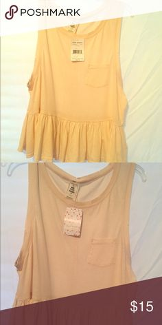 FREE PEOPLE baby doll style top FREE PEOPLE baby doll style top. Size small. NWT. 🌻🌻15 % off bundles check out my closet!! Free People Tops