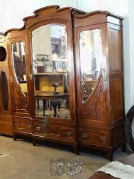 63 Mejores Im 225 Genes De Roperos Antiguos Painted Furniture Antique Furniture Y Painted Armoire