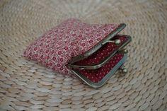 Almofada d'Alfazema: Em tons de vermelho, numa combinação de motivos fl...