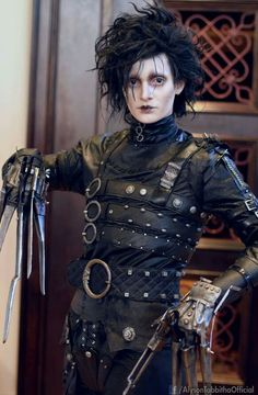 Best Edward Sccisccor hands ever Cosplay!
