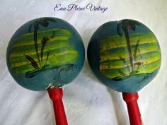 Vintage Mexican Maracas Rumba Shakers Shacshacs Percussion Instrument Handpainted by EauPleineVintage on Etsy https://www.etsy.com/listing/385612342/vintage-mexican-maracas-rumba-shakers