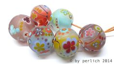 """Glass bead set """"FIRST BLOSSOM"""" handmade lampwork beads with detailed tiny stringer work, dots and flowers by Frau Perlich"""