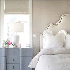 new Ideas bedroom white headboard dressers White Headboard, White Bedroom, Master Bedroom, Bedroom Styles, Bedroom Colors, Bedroom Decor, Bedroom Ideas, Decor Room, Bedroom Lighting