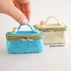 Crochet mini bag coin purse  Vídeo tutorial