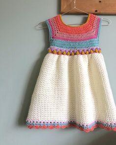 Moda Crochet, Crochet Girls, Crochet For Kids, Knit Crochet, Crochet Baby Dress Pattern, Crochet Baby Clothes, Crochet Patterns, Vestidos Bebe Crochet, Donia
