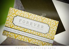 love the yellow damask !