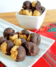 No Bake Chocolate Dipped Peanut Butter Balls #vegan #glutenfree