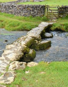 vwcampervan-aldridge:  Stone Footbridge, Malham Cove, Malhamdale, Yorkshire, England All Original Photography by http://vwcampervan-aldridge.tumblr.com