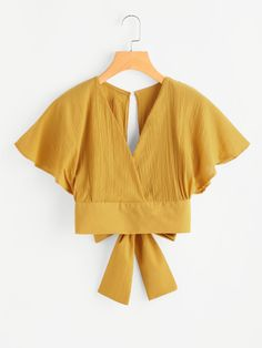 Shop Deep V-cut Keyhole Back Bow Tie Blouse online. ROMWE offers Deep V-cut Keyhole Back Bow Tie Blouse & more to fit your fashionable needs. Bow Tie Blouse, Crop Blouse, Fashion Clothes, Fashion Outfits, Ootd Fashion, Fashion Styles, Mens Fashion, Fashion Tips, Vetement Fashion