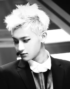 tao's hair is PERFECT in this shot