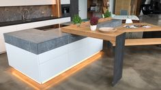 Unsere Ausstellungsküche mit selbst entwickeltem Schwenktresen im Industry Loft Style by Ebbecke-excellent einrichten