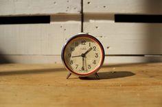 Reloj despertador vintage rojo Ruhla 30,00 € Reloj despertador de cuerda antiguo. Funciona correctamente.