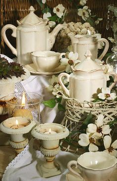 porcelán Kitchen Ideas, Table Decorations, Tea, Furniture, Home Decor, Decoration Home, Room Decor, Home Furnishings, Home Interior Design