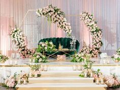 Glam sweetheart table with green velvet couch and gold floral arches Indoor Wedding Arches, Great Gatsby Themed Wedding, Wedding Lounge, Table Wedding, Dream Wedding, Gold Wedding Colors, Wedding Flowers, Arch Decoration, Decorations