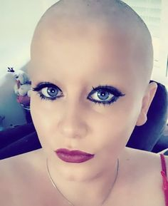 Bald Head Women, Shaved Head Women, Shave Eyebrows, How To Draw Eyebrows, Super Short Hair, Short Hair Cuts, Short Hair Styles, Bald Girl, Female Head