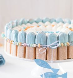 Baptism cake - serve up without stress-Tauftorte – ohne Stress auftischen Decorate your own christening cake Valentines Day Desserts, Valentines Day Dinner, Valentines Day Decorations, Decoration Restaurant, Cupcakes, Cool Wedding Cakes, Cake Servings, Served Up, Fondant Cakes