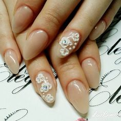 Such an amazing set by @rosesoria00 using Tammy Taylor Peach Cover It Up Nail Powder, French White Prizma Powder and Crystal Rainbow Rhinestones!