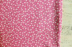 Vintage Baumwollgewebe sowjetischen weiß Pink von HandyHappyVintage