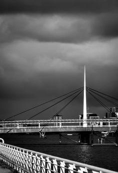 Wordless Wednesday: The Bridge Our World, Glasgow, Norway, Wednesday, Scotland, Travel Photography, Bridge, Life, Legs