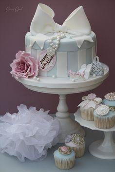 Formosas: Hat box cake