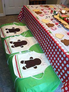 Fiesta para decorar galletas de navidad. Qué cada uno haga las suyas!