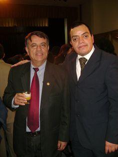 José Ricardo Rasilla Rovegno, candidato a la alcaldía de Jesús María, y Freddie Armando Romero en la boda de Gonzalo Alegría Varona, candidato a la alcaldía de Lima Metropolitana. (2010)