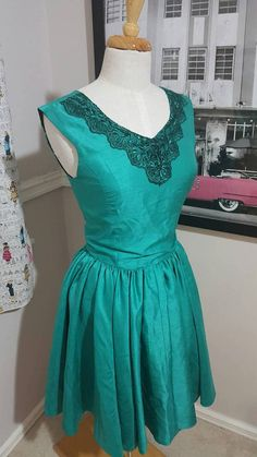 Emerald Green Pinup Dress Size M
