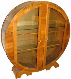Art Deco Display Cabinet/ looks like hobbit furniture to me! Art Nouveau Furniture, Antique Furniture, Furniture Decor, Metal Furniture, Modern Furniture, Art Deco Period, Art Deco Era, Art Et Architecture, Muebles Art Deco