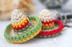 #haken, gratis patroon (Engels), sleutelhanger, Sombrero, hoed, #haakpatroon, #crochet, free pattern, keychain, mexican hat