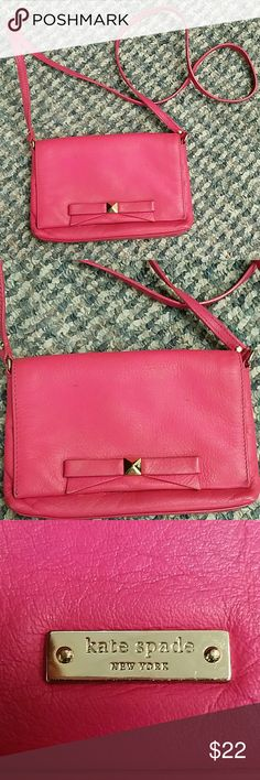 Kate Spade Crossbody Handbag This handbag is pre-owned and looks good but does show some wear. It can carry also be used as a clutch. The corners are slightly worn but no holes. The strap drops 22 inches. kate spade Bags Crossbody Bags
