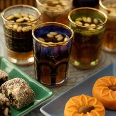 Tunisian mint tea with pine nuts / the aux pignons, specialite du the a la menthe tunisienne