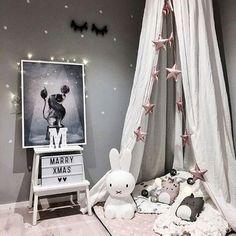 Nydelig barnerom Printet fra Mrs Mighetto og produkter fra Cam Cam finner du på miniverden.no! Husk å bestille før 20.desember. Vi pakker hele helgen :@stinejmoi  #miniverden #mrsmighetto #circusmighetto #dearlion #barnerom  #barneinteriør #barneinspo #børneværelse #barnrum #kidsroom #nursery #inspo #inspiration #interior #gravid #foreldreogbarn #babyverden #barselvarsel #camcamcph #leketeppe
