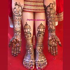 Beautiful Leg mehndi designs (Trending and funky) - SetMyWed Mehndi Designs Feet, Latest Bridal Mehndi Designs, Legs Mehndi Design, Indian Mehndi Designs, Modern Mehndi Designs, Wedding Mehndi Designs, Mehndi Design Pictures, Beautiful Mehndi Design, Latest Mehndi