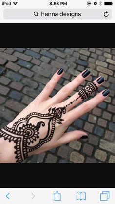 Mehndi Tattoo, Henna Tattoos, Henna Ink, Henna Tattoo Designs Simple, Henna Mehndi, Mehendi, Mandala Tattoo, Indian Henna, Tattoo Simple
