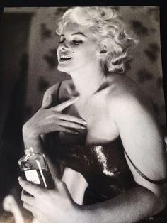 Marilyn + Chanel no 5