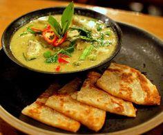 Thai Green Curry with Crispy Roti (แกงเขียวหวาน โรตี).      Jen show this to Ian