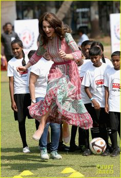 Kate Middleton in India. This makes me smile.