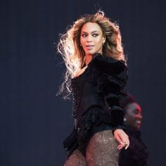 Pour celles qui auraient manqué son spectacle d'envergure hier, jeudi 21 juillet, au Stade de France : retour en images sur la prestation exaltée de Queen Bey !
