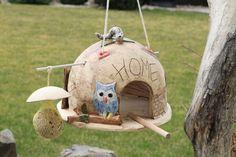 http://de.dawanda.com/product/78254639-home-das-lustige-vogelheim-einzigartig
