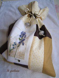 2011-08-23 sacchetto - tuto ricavato da sito Un petit bout de fil.......miniera di idee