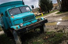 An old #comunist era truck... // #rusty #carspotting #oldtruck #oldcar #rustytruck #ig_captures #Slovakia #oldschool #vintage #nikon_photography #nikon_photography_ #trucking #nikond5300 #traveler #abandoned #abandoned_junkies #igerscolombiaext #igerscolombia #coolcar
