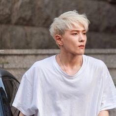Kim Jinhwan, Chanwoo Ikon, Yg Entertainment, Bobby, Ikon Debut, Ikon Wallpaper, Blonde Guys, Kim Dong, Fans Cafe