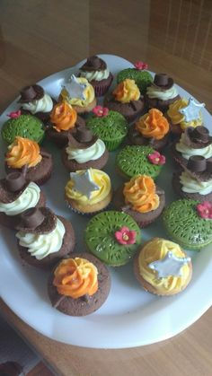 Cowboy cupcakes, easy to make and perfect for a Western themed party.