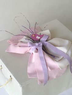 βάπτιση με θέμα πουλάκια ξύλινο κουτί υφασμάτινη διακόσμηση ροζ εκρού Shabby Chic, Gift Wrapping, Gifts, Gift Wrapping Paper, Presents, Wrapping Gifts, Favors, Gift Packaging, Gift
