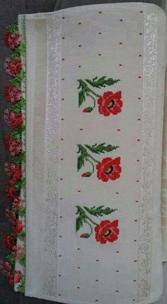 This Pin was discovered by Nil Cross Stitch Heart, Cross Stitch Borders, Cross Stitch Flowers, Cross Stitching, Cross Stitch Patterns, Hand Embroidery Stitches, Crewel Embroidery, Cross Stitch Embroidery, Embroidery Patterns