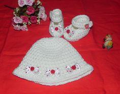 Scarpette e cappellino   NEONATA lana con fiocchetti